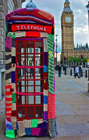 London phone booth all knitted out from the blog Purl Interrupted