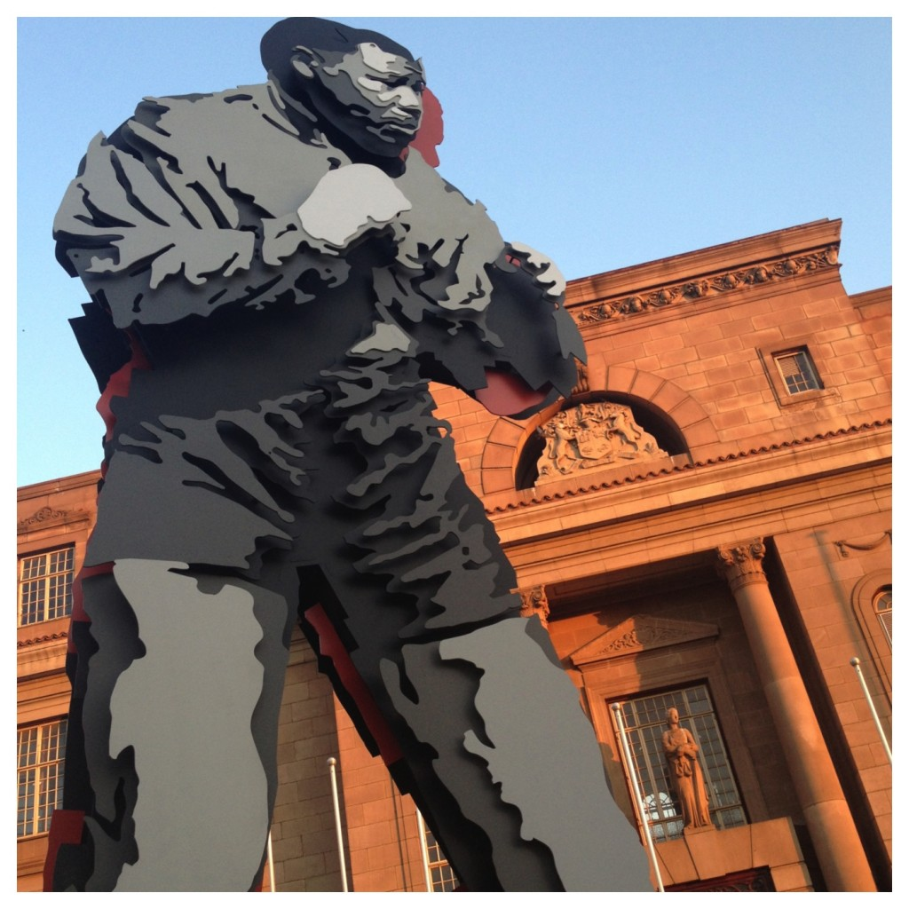 Marco Cianfanelli's Shadow Boxing sculpture of Nelson Mandela (2013)